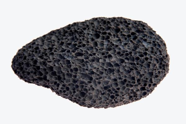 آیا سنگ پا همان پوکه معدنی است ؟