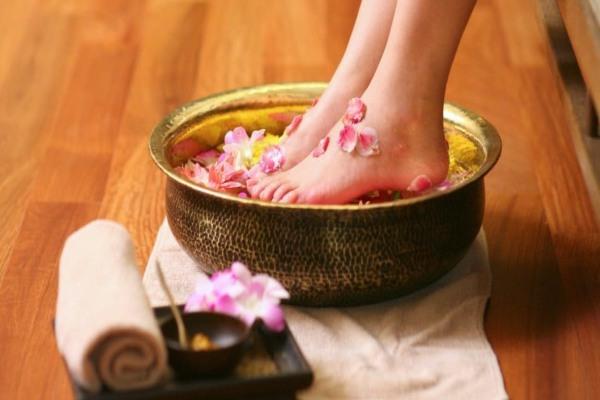 فواید سنگ پا برای پوست